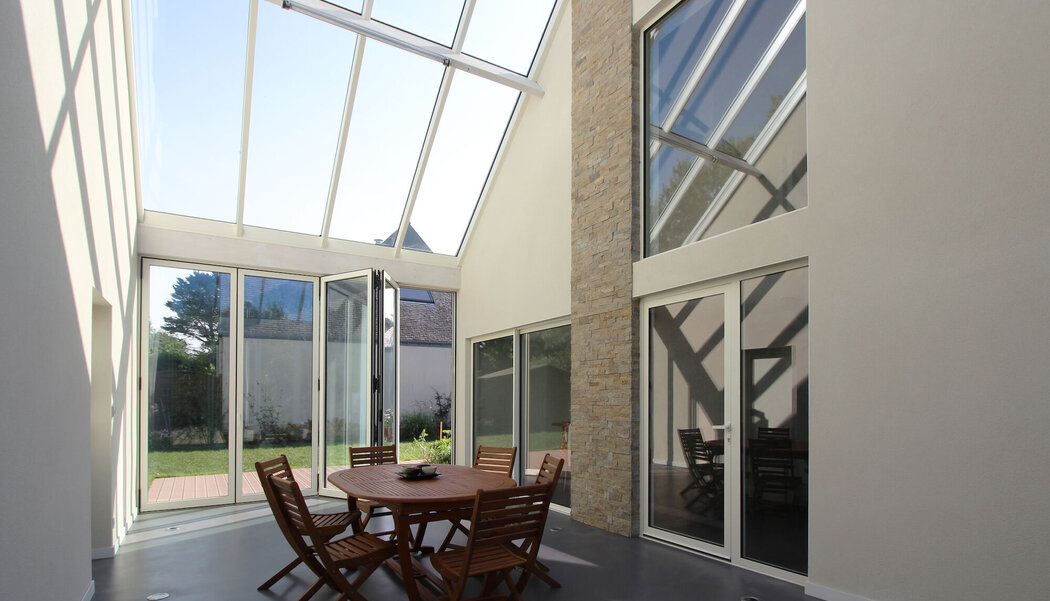CP 68-Ga Sliding Systems, CW 50 Curtain Walls, CP 68 Sliding Systems and CF 77 Sliding Systems - House Bioclimatic Private House located in France