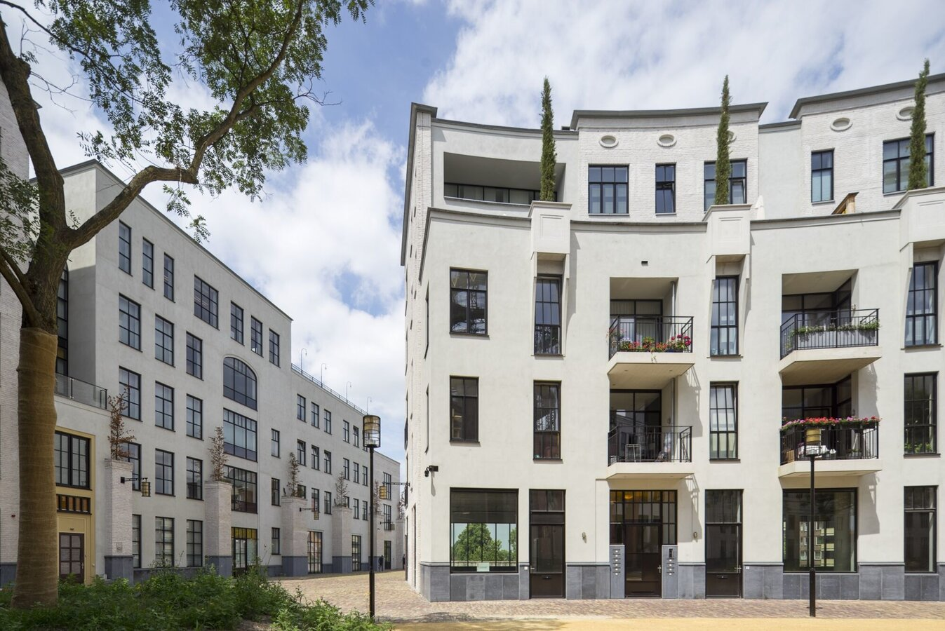 SlimLine 38 Windows and CW 50 Curtain Walls - Apartmentcomplex Maankwartier located in the Netherlands